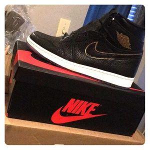 Air Jordan 1 Retro High OG size men's 9 1/2